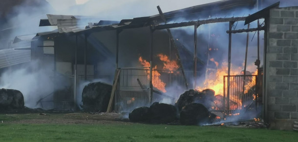 Pożar w Garkach. Ogniem objęte dwie stodoły (aktualizacja)