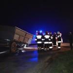 Zderzenie osobówki z traktorem