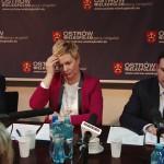 Holdikom: Zarzuty i pytanie o odprawy