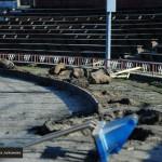 Wymieniają ogrodzenie na stadionie