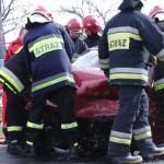 Wypadek w Górznie. Zakleszczone dwie osoby
