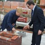 Uroczyście rozpoczęli budowę… bloku