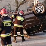Nowiutki Mercedes za 400 tys. dachował