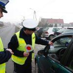 Policjanci rozdawali odblaski