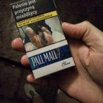 Makabryczne opakowania papierosów trafiają do sklepów
