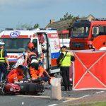 Wypadek motocyklisty – zmarł w szpitalu. Awaria śmigłowca LPR