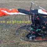 Wypadek w Michałkowie. Motoparalotniarz ranny. Nie zadysponowano śmigłowca