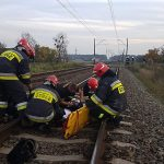 20-latka rzuciła się pod pociąg. Ucięło jej nogi