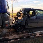 Sobótka: TIR najechał na tył Renault. Kierowca był wycinany