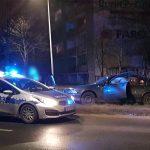 BMW uderzyło w drzewo na Alei Słowackiego