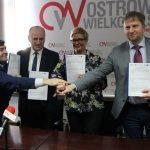"""Uśmiechnięte """"elektryki"""" trafią do Ostrowa"""