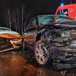 9 osób w dwóch autach rozbitych na ul. Długiej