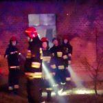Petardą podpalono cudzy dom