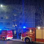 Pożar w bloku przy ul. Harcerskiej. Uratowała ich czujka