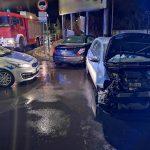 Wypadek na skrzyżowaniu Strzelecka i Ledóchowskiego. Peugeot vs. Volkswagen