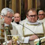 Jakie fakty bronią biskupa Janiaka?