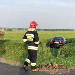 Pijany traktorzysta i BMW w polu