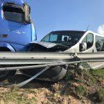 Zderzenie busa i ciężarówki na obwodnicy Skalmierzyc (aktualizacja)