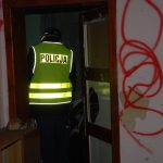Policjanci namierzają bezdomnych