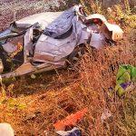 Peugeotem mocno uderzył w drzewo
