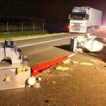 Zderzenie ciężarówki i dostawczaka na obwodnicy Ostrowa