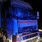 Zderzenie dwóch ciężarówek i osobówki w Szczurach