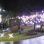 Kolizja na rondzie bankowym – zepchnął auto na chodnik (foto+wideo)