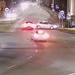 Kolizja na Rondzie Bankowym – BMW i Volkswagen (wideo)