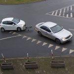 Kolizja na Rondzie Bankowym – Mercedes i Peugeot
