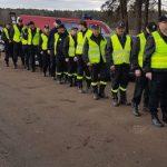 Ponad 20 policjantów przeczesuje las przy Topoli (aktualizacja)