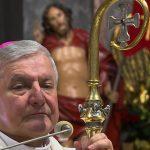 Biskup Janiak jutro nie wystąpi publicznie
