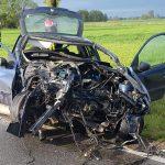Dwóch nastolatków wjechało Peugeotem w drzewo (aktualizacja)