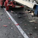 Zderzenie dwóch ciężarówek i osobówki na trasie Ostrów – Kalisz