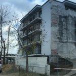 Ukrainiec spadł z budowanego bloku